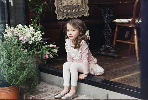 Bluza de primavara cu guler brodat model Charlotte