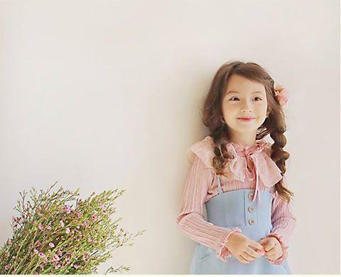 Bluza fronsata cu guler elegant din dantela - Violette
